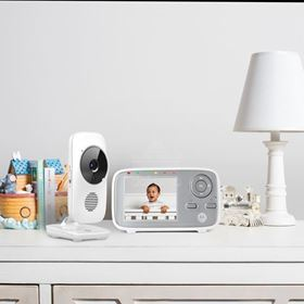 Video Baby Monitor Multifunzione con Zoom Digitale MBP483 - Motorola ambientata